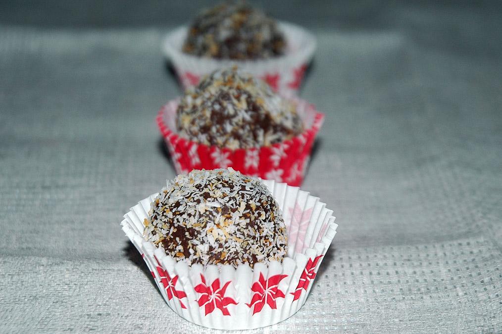 Rumos-kókuszos csokigolyók