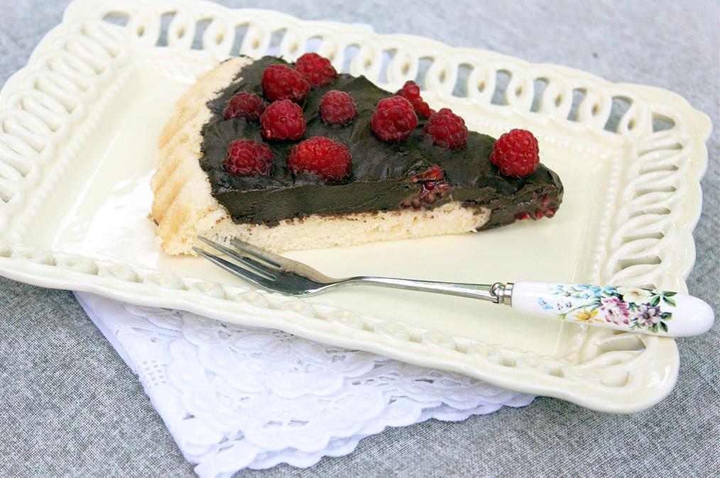Málnás torta főzött csokikrémmel